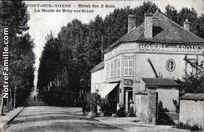 Hotel De Ville A Pont Sur Yonne