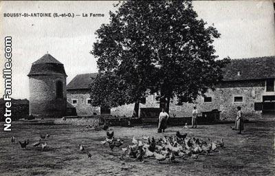 Photos et cartes postales anciennes de boussy saint for Boussy saint antoine piscine