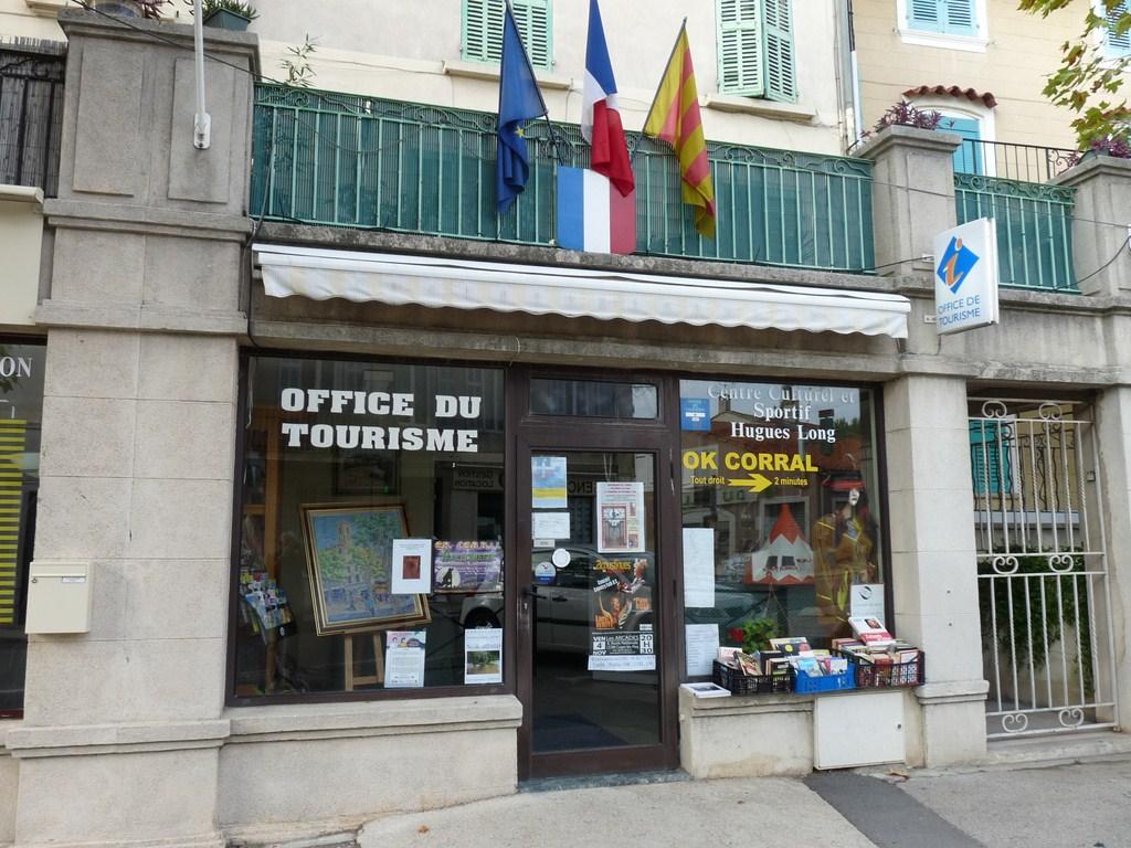 Photo cuges les pins 13780 l 39 office de tourisme - Saint brevin les pins office de tourisme ...