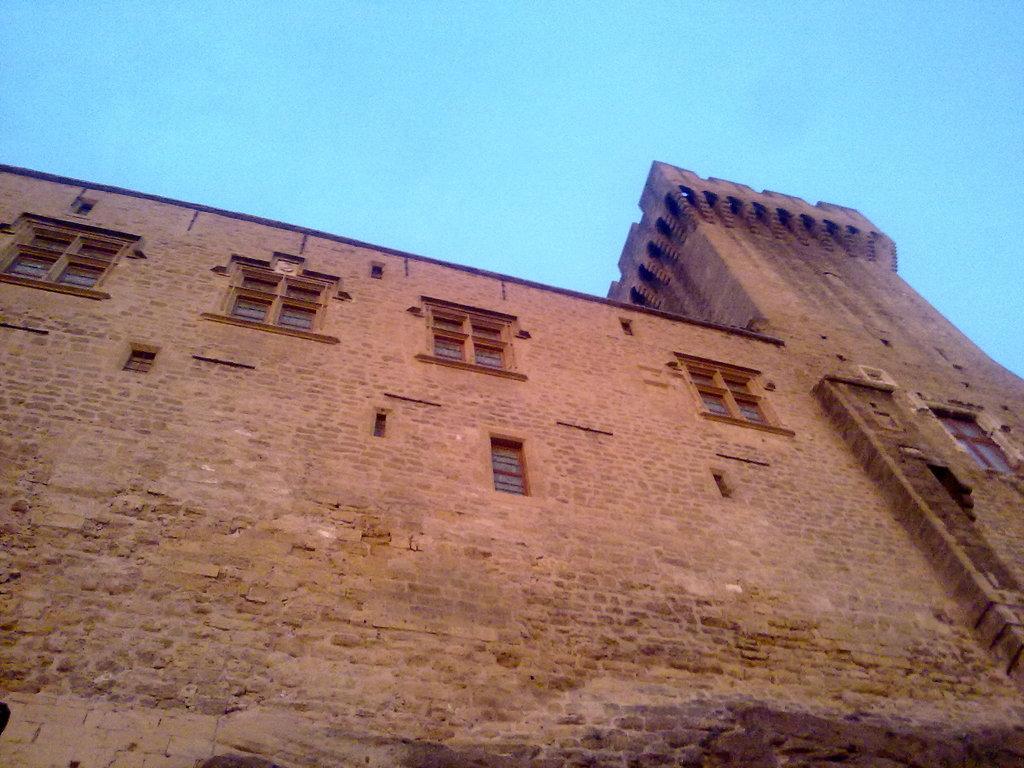 Photo salon de provence 13300 chateau de l 39 emp ri vue rue des lices salon de provence - Meteo 13300 salon de provence ...