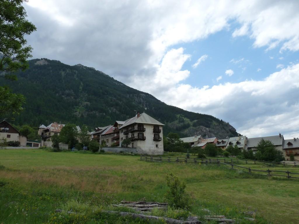 Photo la salle les alpes 05240 le village du bez - La salle les alpes office du tourisme ...