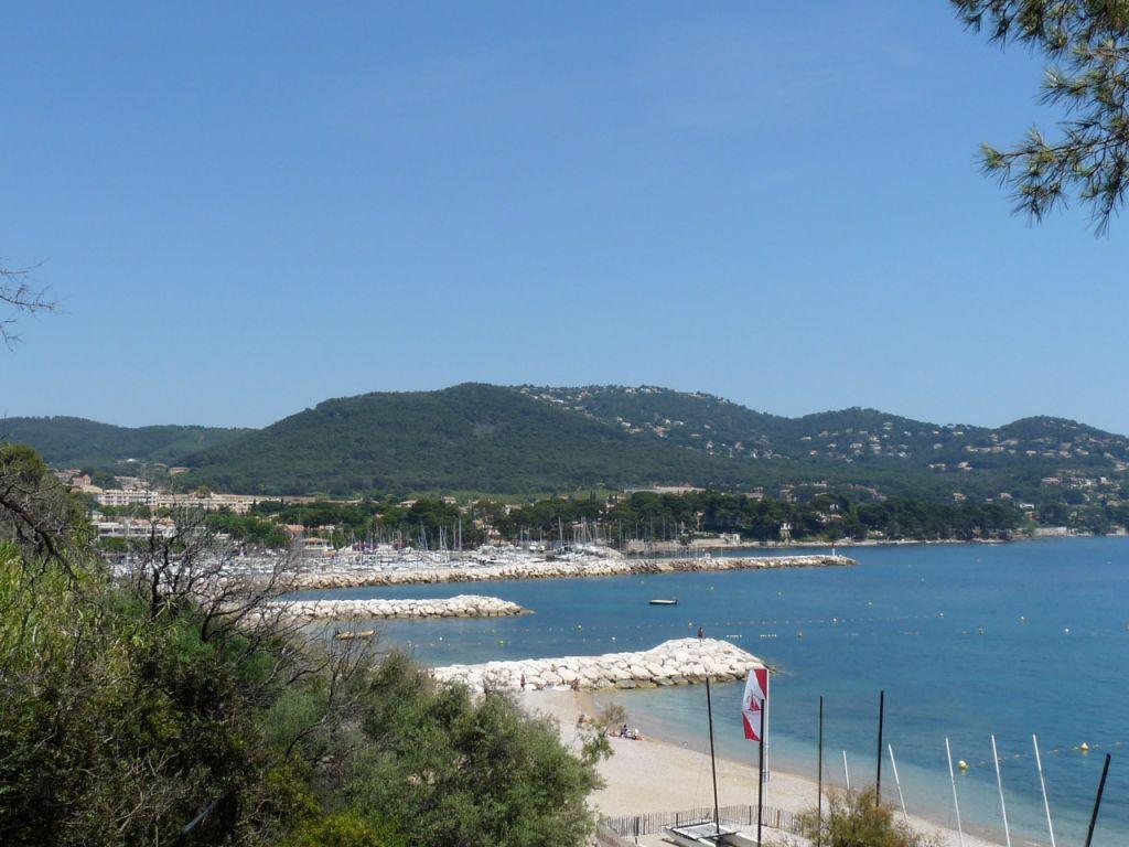 Photo carqueiranne 83320 vue sur le port du fort peno carqueiranne 69037 - Coiffeur du port carqueiranne ...