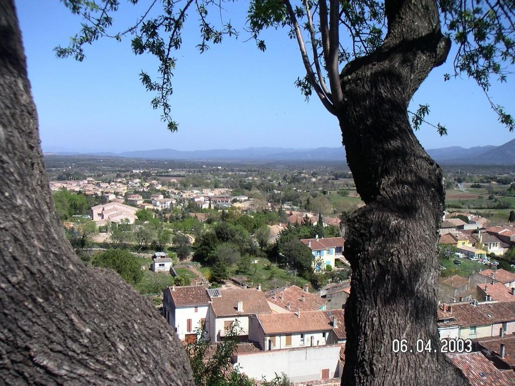 Photo gonfaron 83590 de la chapelle st quinis vers l for Piscine de la chapelle saint luc