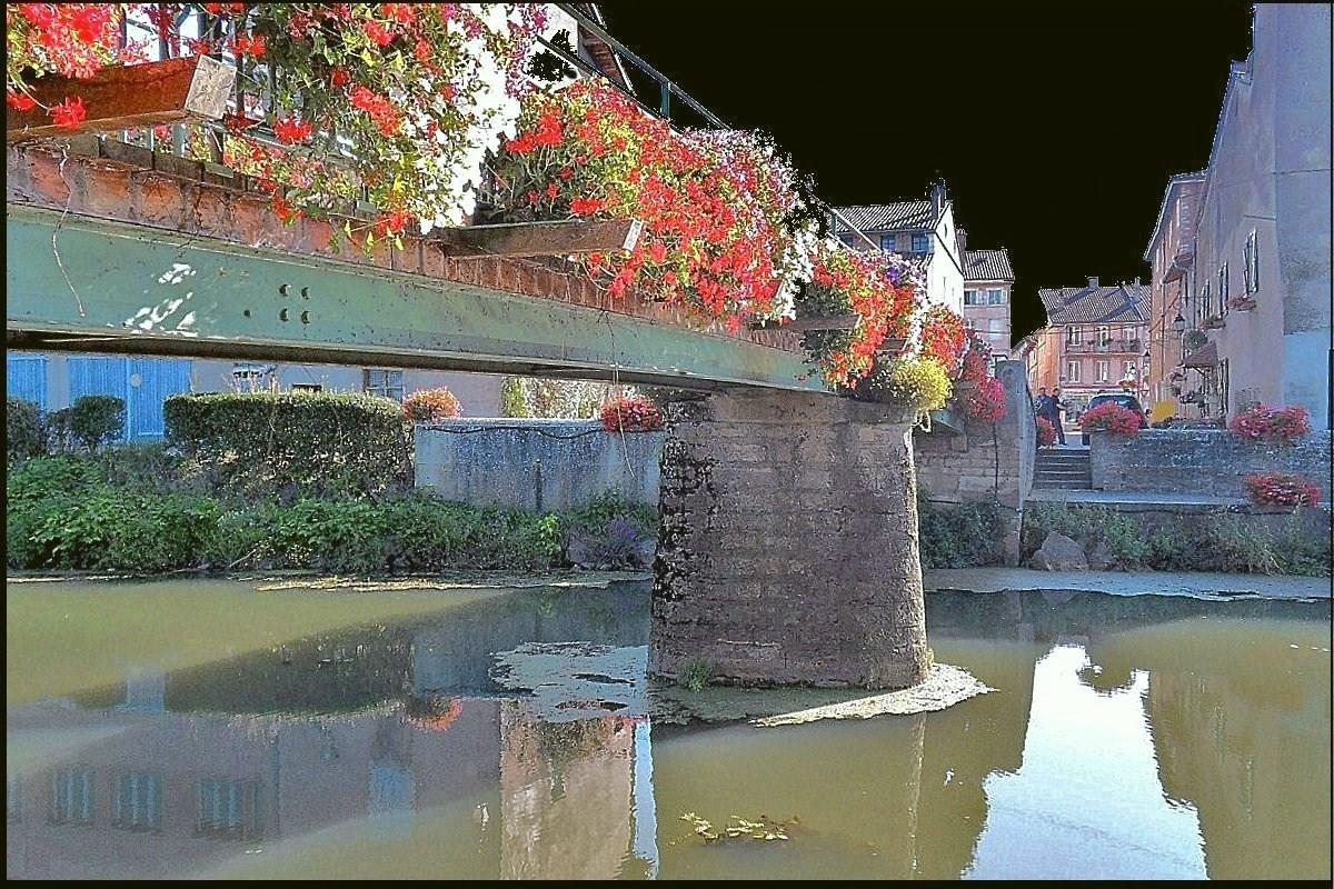 Photo pont de vaux 01190 pont de sur la for Piscine pont de vaux