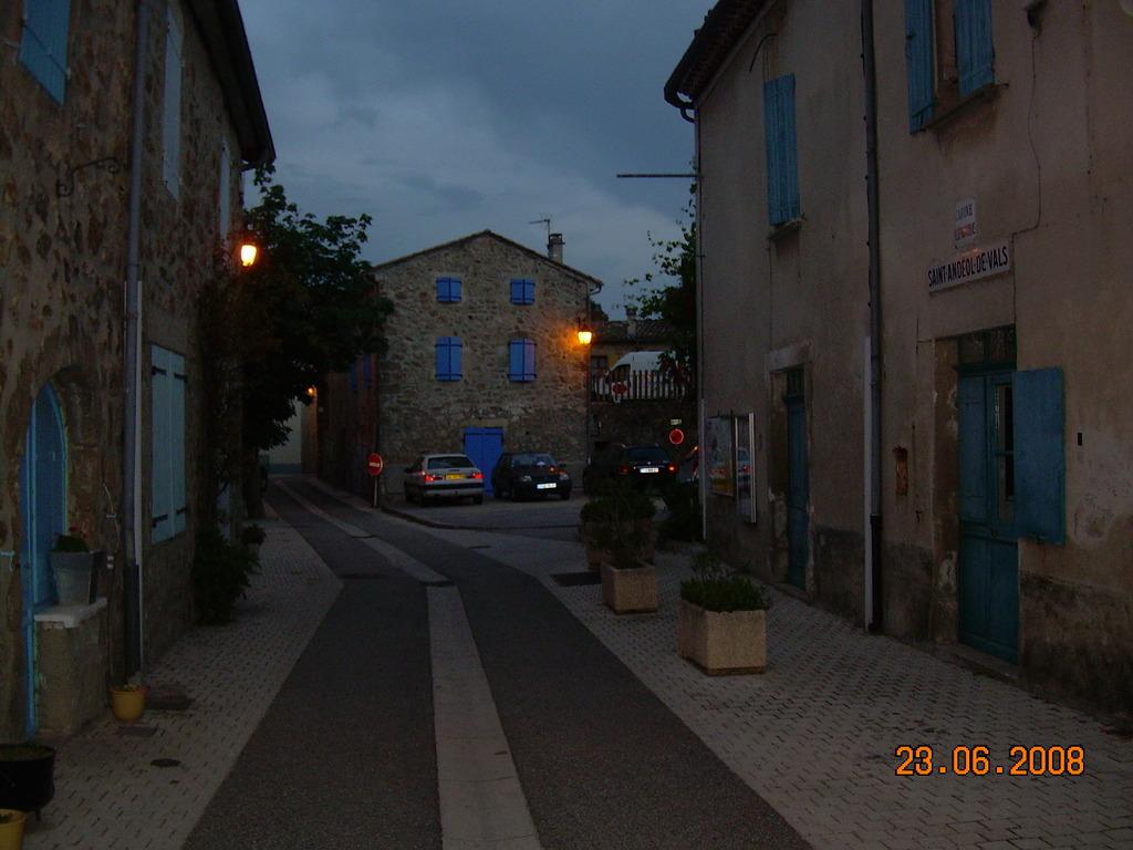Photo saint and ol de vals 07600 la rue principale la nuit saint and ol de vals 26220 - Meteo st joseph des bancs ...