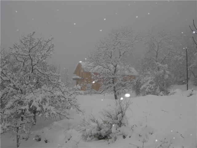 Photo s chilienne 38220 maison sous la neige - Source sous la maison ...