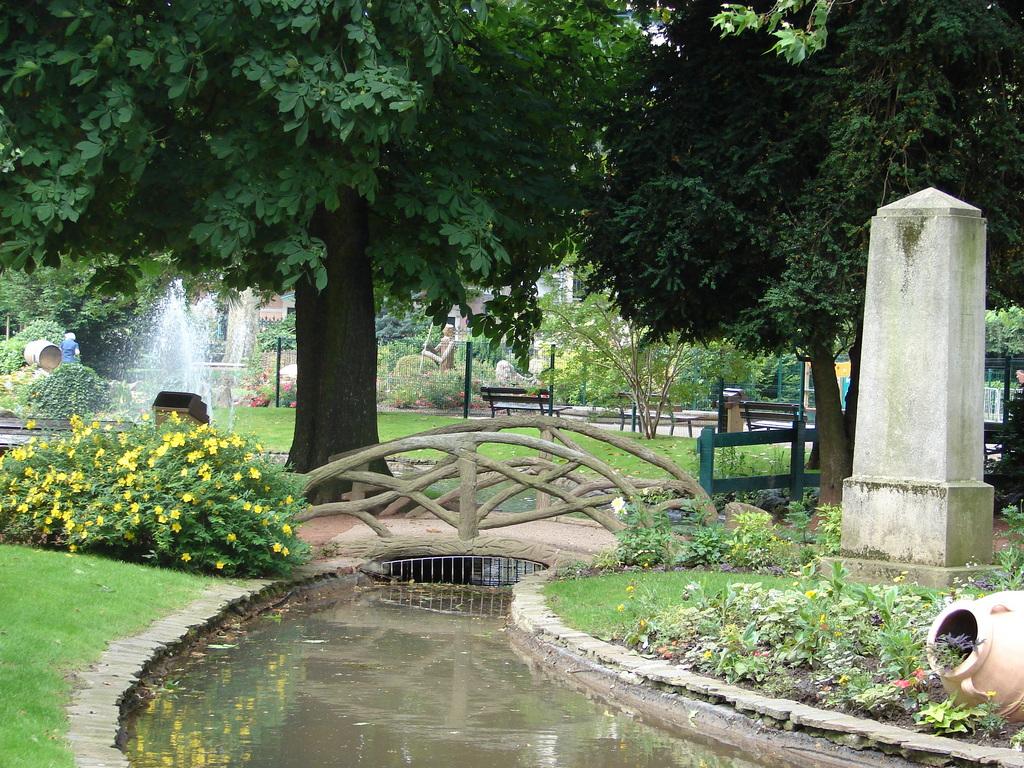 Photo vienne 38200 le jardin public vienne 14013 for Jardin 38200