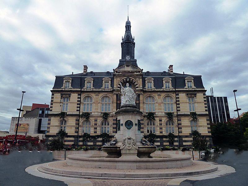 Hotel De Ville De Roanne