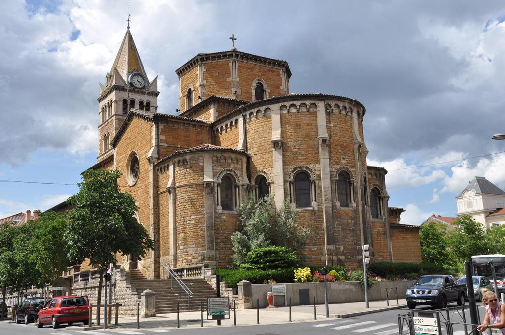 Bon Lundi Ecully_37477_Eglise-d-Ecully