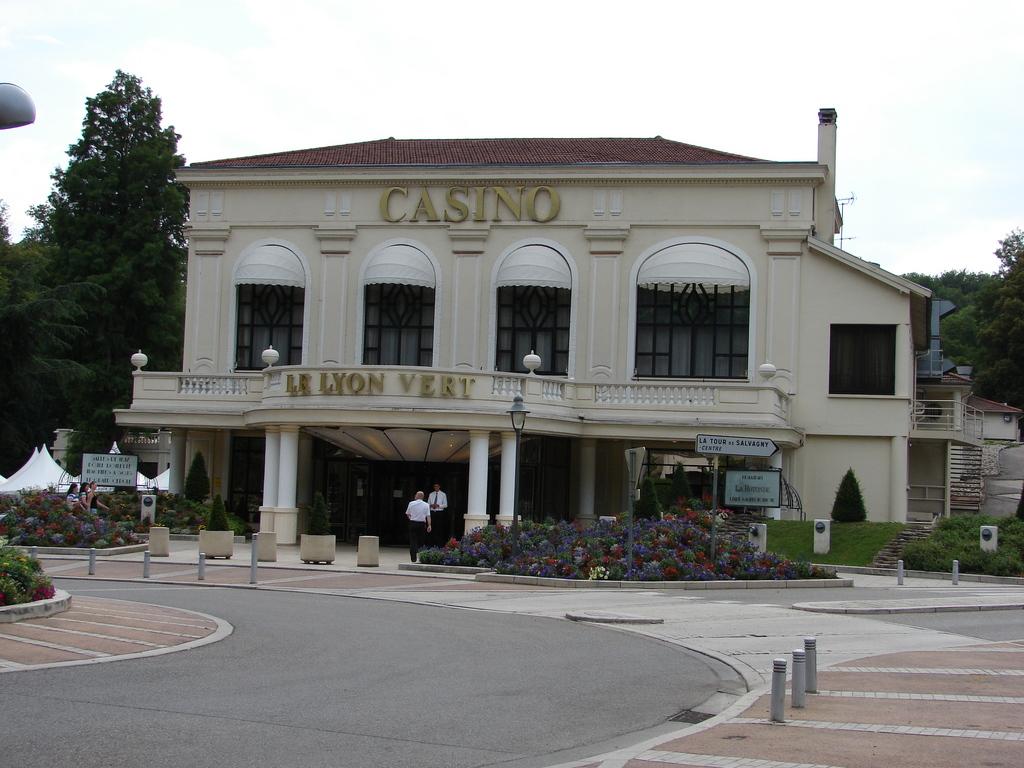 photo la tour de salvagny 69890 le casino la tour de salvagny 13821. Black Bedroom Furniture Sets. Home Design Ideas