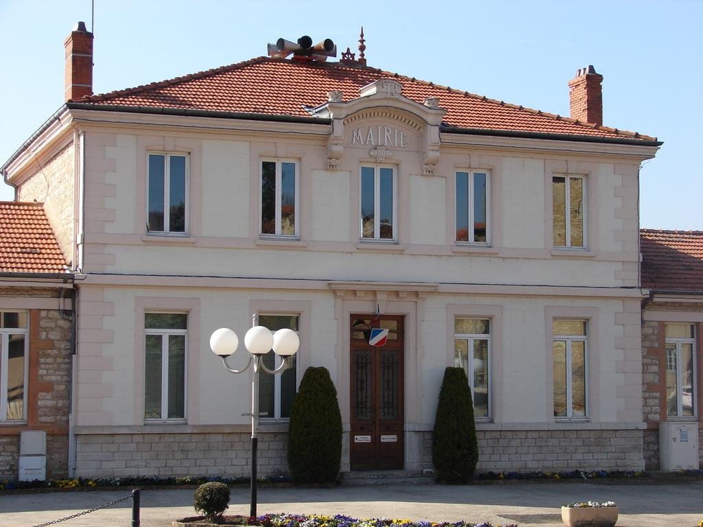 photo lissieu 69380 la mairie lissieu 33065