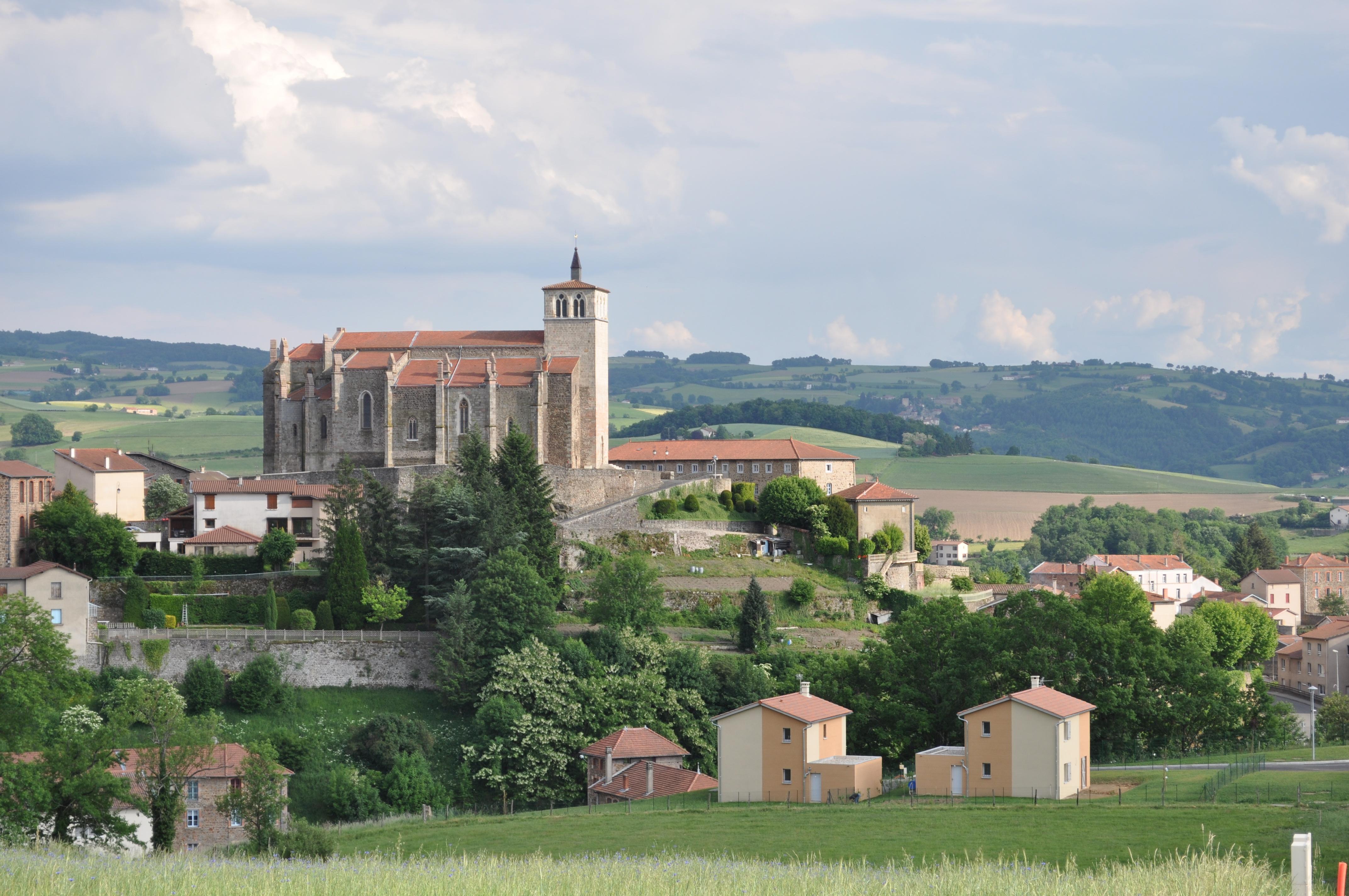 Photo saint symphorien sur coise 69590 l 39 eglise - Piscine saint symphorien sur coise ...