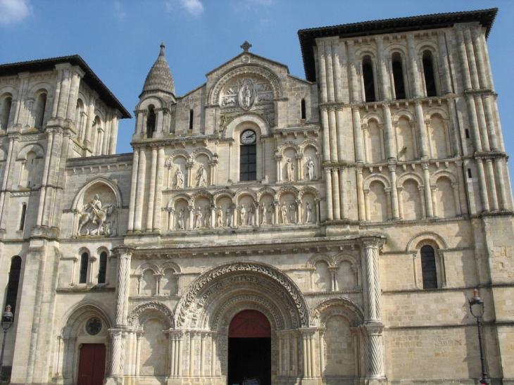 Photo à Bordeaux (33000) : Eglise Ste-Croix - Bordeaux ...