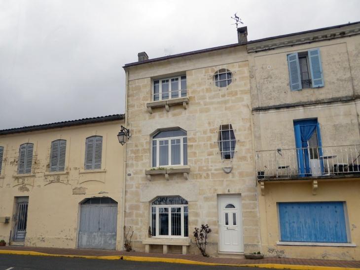 Photos De La Ville De Samonac