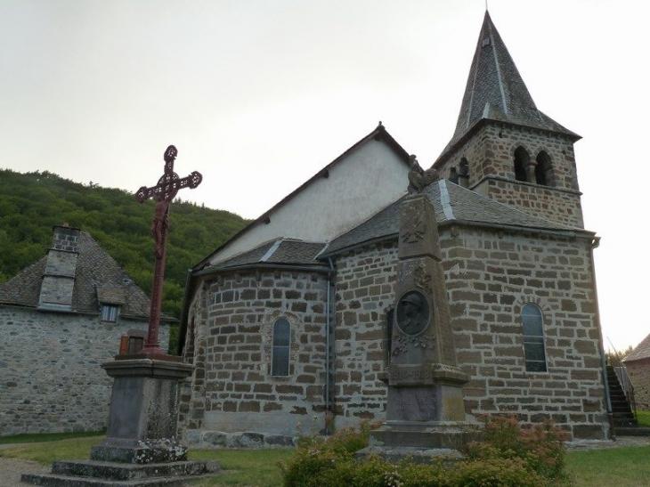 L'église - Saint-Amandin