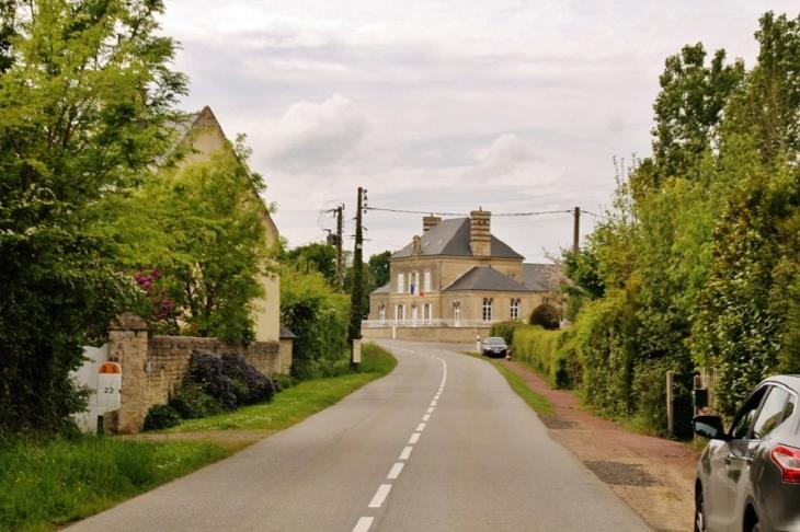 Le Village - Bricqueville