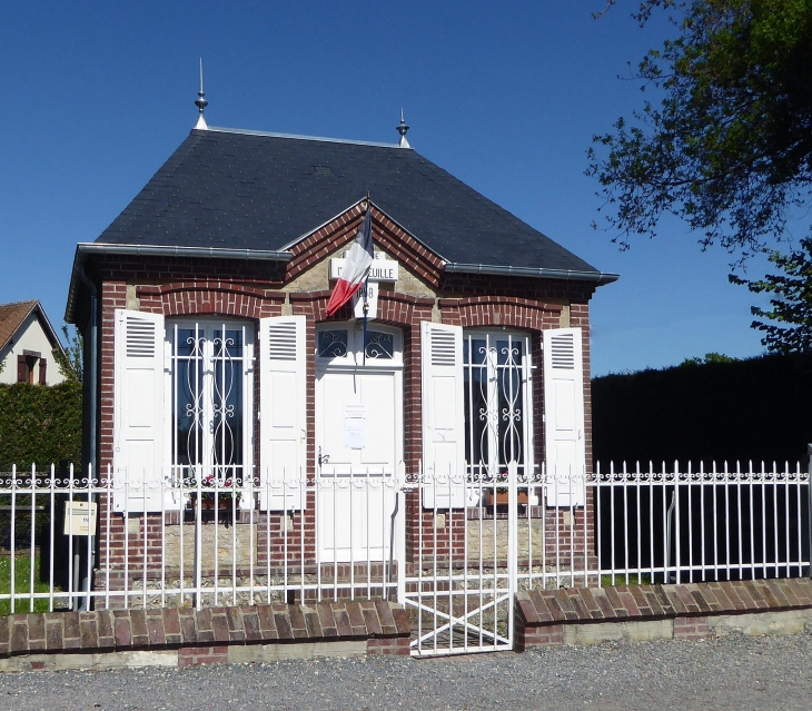 La petite mairie - Cresseveuille