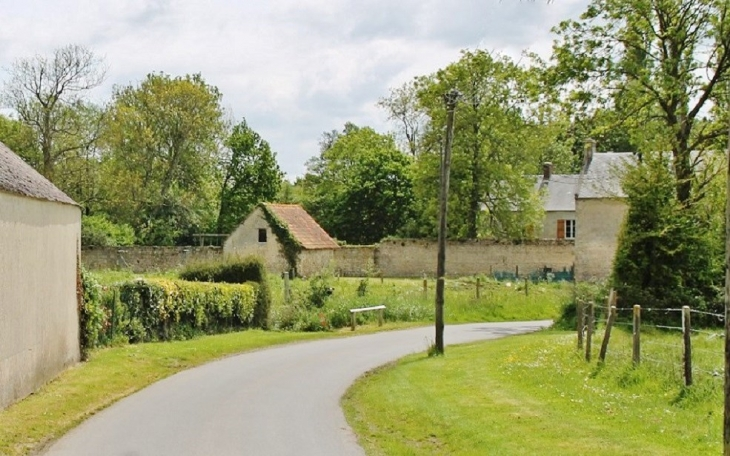 Le Village - Crouay