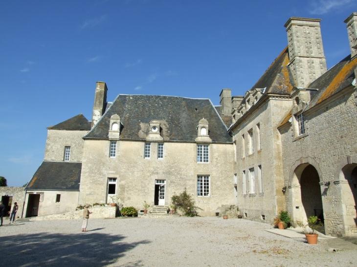 Manoir de Douville - Mandeville-en-Bessin
