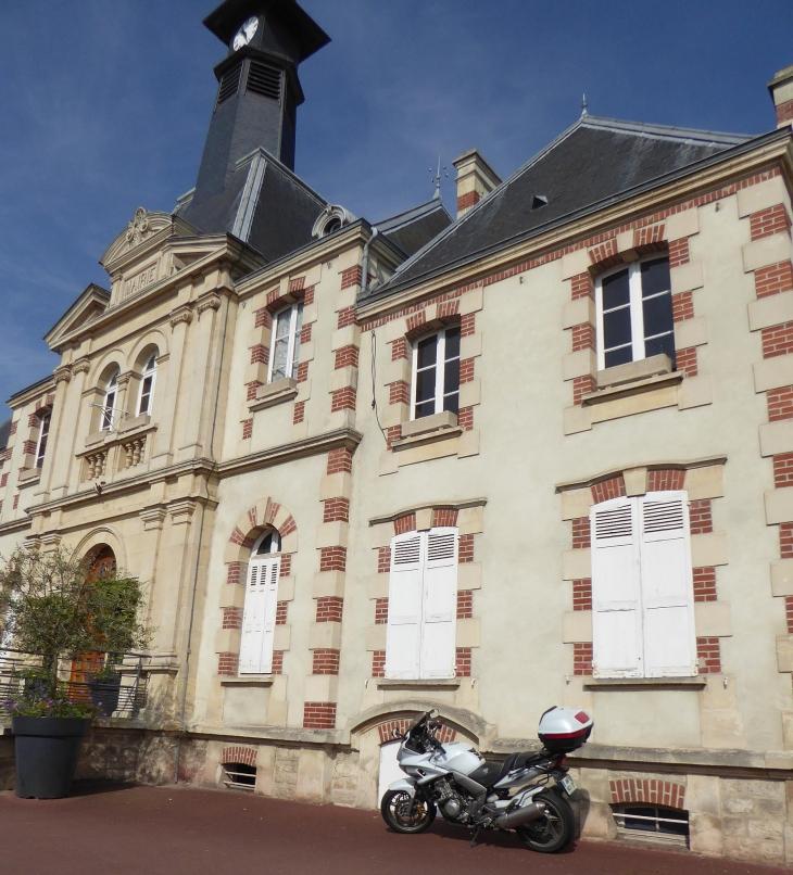 La mairie - Mondeville