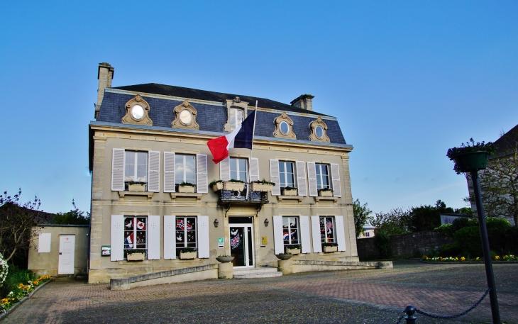 La Mairie - Port-en-Bessin-Huppain