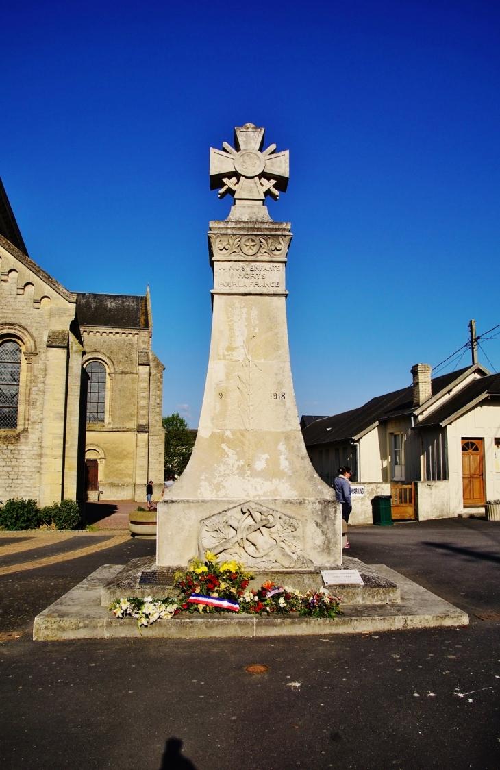Photo port en bessin huppain 14520 monument aux morts port en bessin huppain 335143 - Poissonnerie port en bessin ...