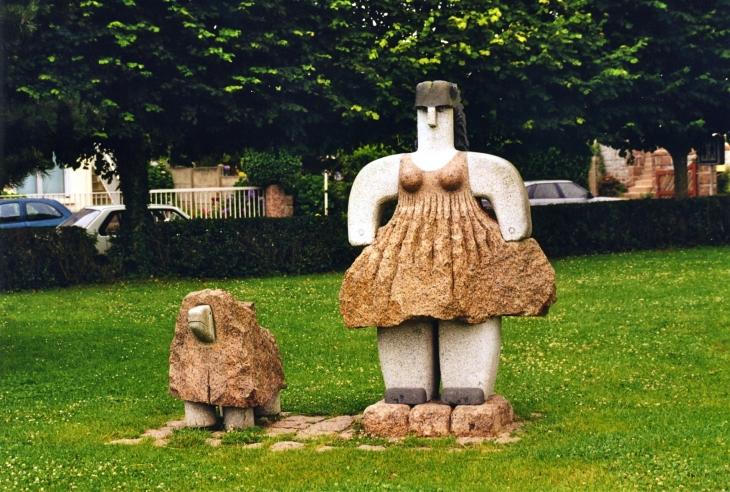 Photo perros guirec 22700 sculture en granit rose - Meteo a perros guirec ...