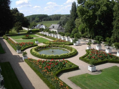 Château--Ussé-Jardins-France-Chateaux-de-Loire