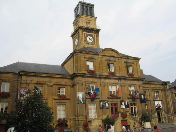 Photo charleville m zi res 08000 mairie - Charleville mezieres 08000 ...