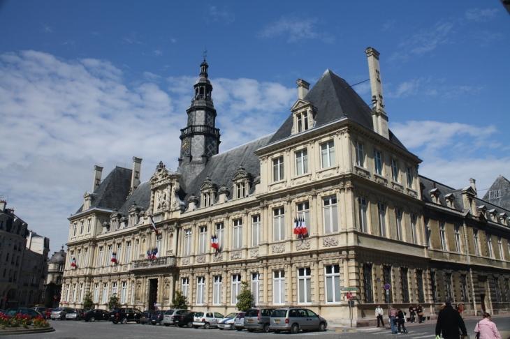 Photo reims 51100 la mairie de reims 35910 - Piscine reims ...