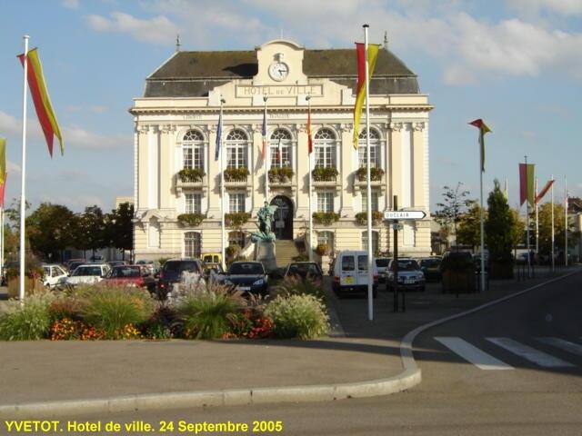 Photo yvetot 76190 h tel de ville yvetot 53013 for Hotels yvetot