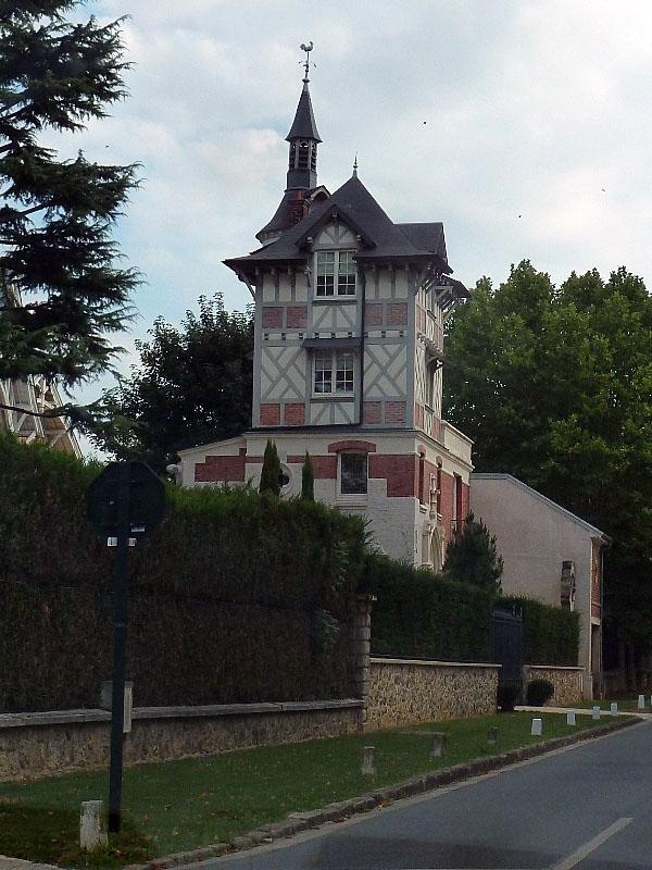Photo vaucresson 92420 la maison de la vieille - Location voiture porte de saint cloud ...