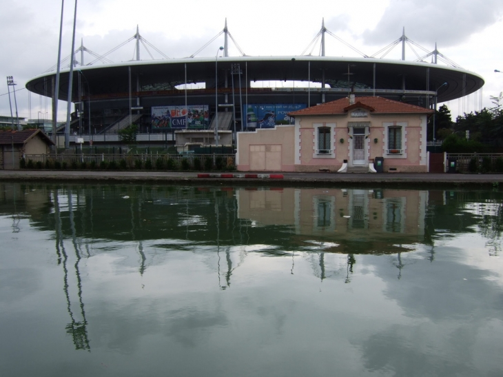 Le grand stade - Chambre de commerce seine saint denis ...