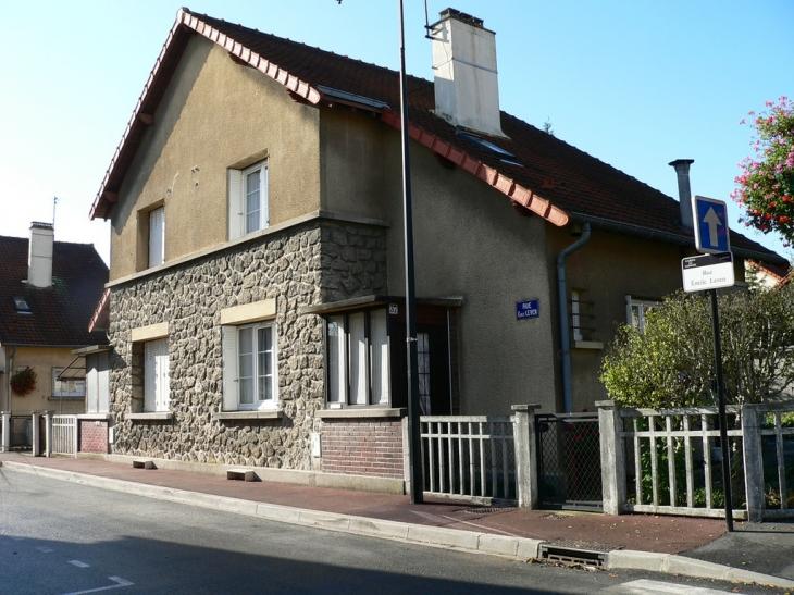 Photo garges l s gonesse 95140 quartier carnot rue - Meteo garges les gonesse ...