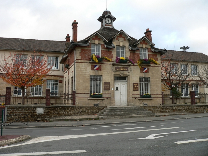 Photo garges l s gonesse 95140 ancienne mairie garges l s gonesse 25834 - Meteo garges les gonesse ...