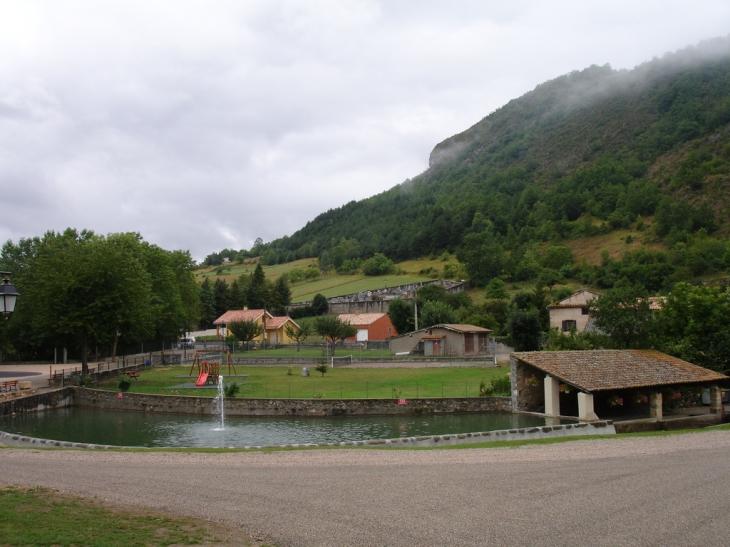 Mare aux fées à Roquefeuil