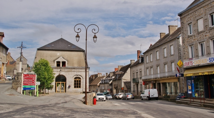 Le Village - Crocq