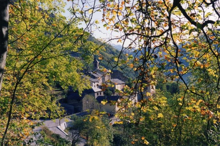 Vu de l'entree du village - Illier-et-Laramade