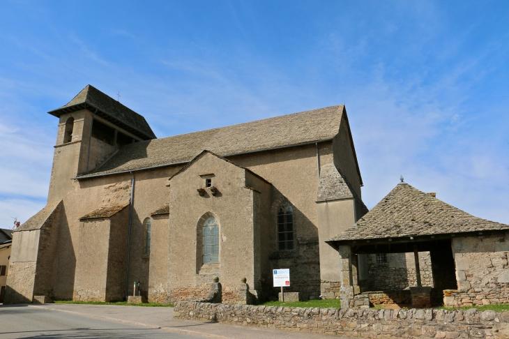 Facade-sud de l'église Saint Pierre  - Canet-de-Salars