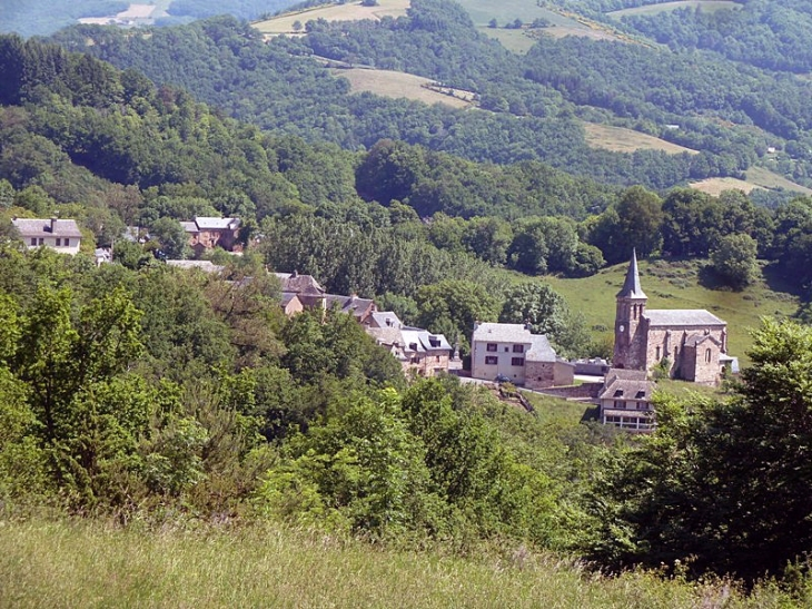 Vue sur le village - La Capelle-Bonance