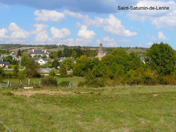 Le village - Saint-Saturnin-de-Lenne