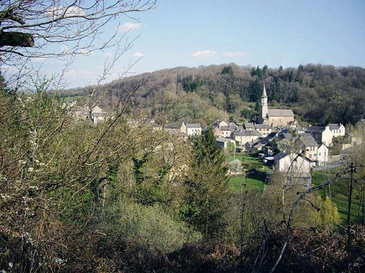 Vue sur le village - Salmiech