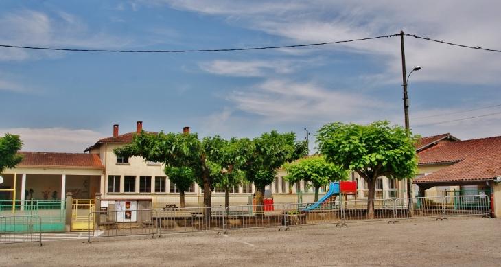 Le Village ( école ) - Meauzac