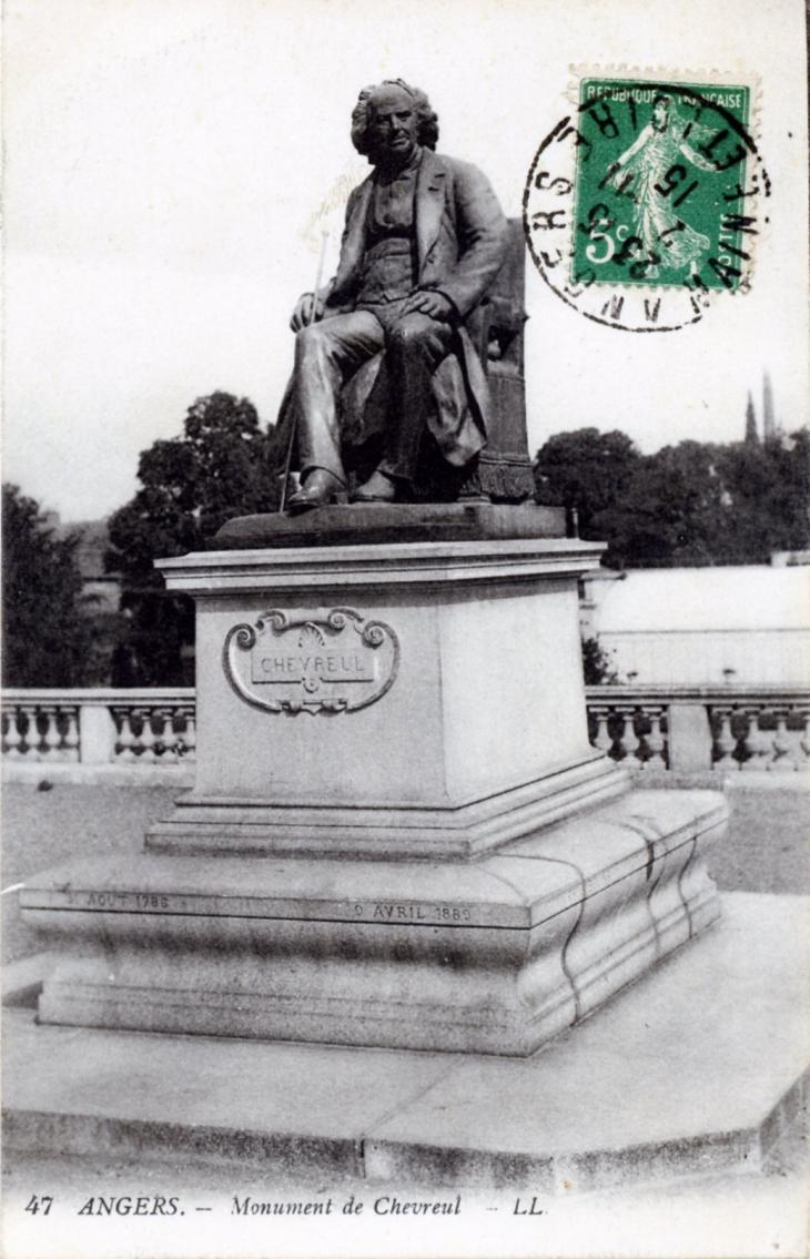 photo angers 49000 monument de chevreul vers 1915 carte postale ancienne angers. Black Bedroom Furniture Sets. Home Design Ideas