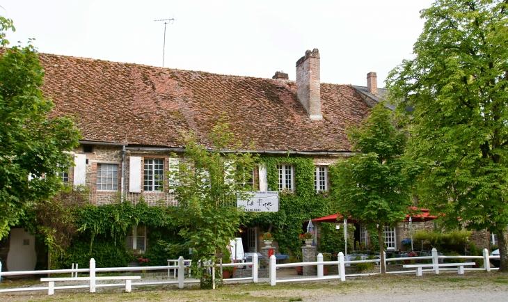 Restaurant  Saint Georges Le Gaultier