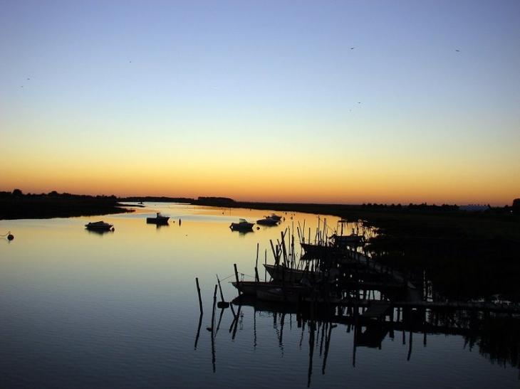 Photo l 39 aiguillon sur mer 85460 coucher de soleil sur le lay l 39 aiguillon sur mer 39409 - Office de tourisme de l aiguillon sur mer ...