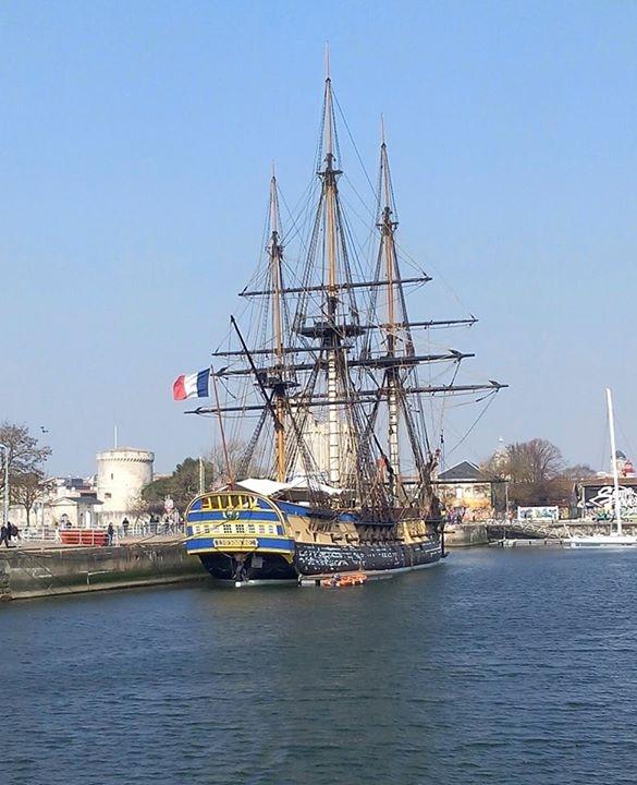 Photo meschers sur gironde 17132 l 39 hermione au port - Port de meschers ...
