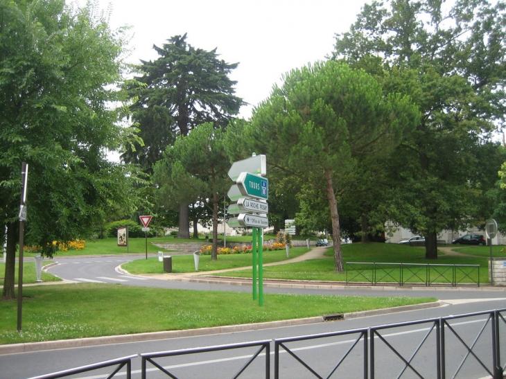 Photo ch tellerault 86100 jardin public for Jardin public 78