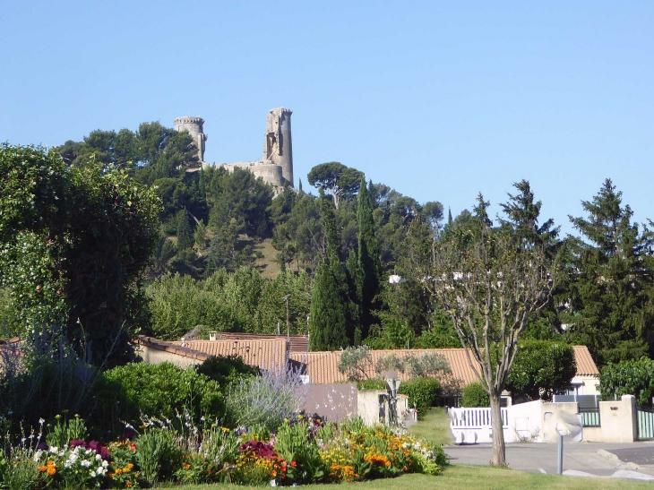 Vue sur les ruines du château - Châteaurenard