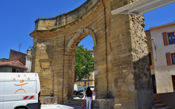 Photo 224 Istres 13800 La Porte D Arles A Istres 192930
